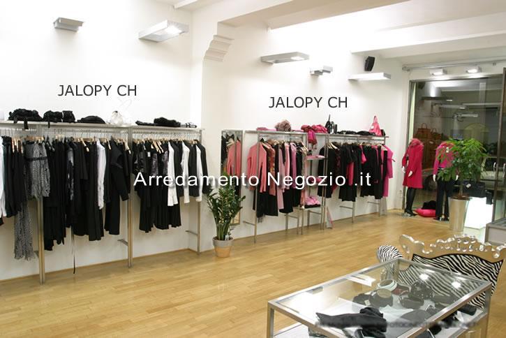 arredamento negozio abbigliamento costi: arredamenti per negozi ... - Arredamento Negozio Abbigliamento Scaffalatura In Acciaio